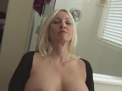 Lovely mature lady Cala Craves is having a wonderful anal sex