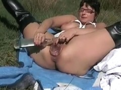 ANNABELLE what a fisting slut..more viedo on fuckingfreely.com