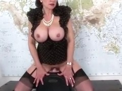 British milf loves fuck machine
