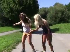 sexy girls kinky public nude flashing rollerscater girls 2