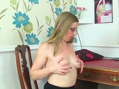 Uk Milfs Sammie And Penny Brooks Love Stripping Off
