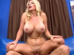 How Busty Blondes Get More Cum  - ScoreLand