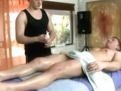 Straight guy gets a massage from a gay dude