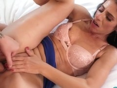Anal sex for this sexy hot MILF today!